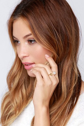 Pearly in the Morning Gold Pearl Ring at Lulus.com!