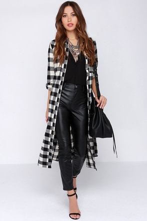 Dee Elle Hybrid Moments Black Plaid Maxi Top at Lulus.com!
