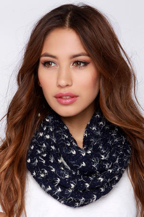 Stark Neck-ed Navy Blue Infinity Scarf at Lulus.com!