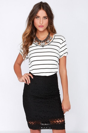 Go Anywhere Black Lace Skirt at Lulus.com!
