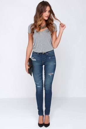 Dittos Kelly Medium Wash Distressed High Rise Jeggings at Lulus.com!