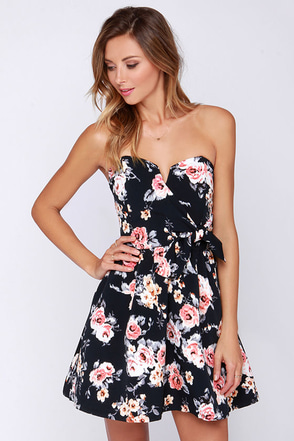 Rose Buddy Buddy Strapless Black Floral Print Dress at Lulus.com!