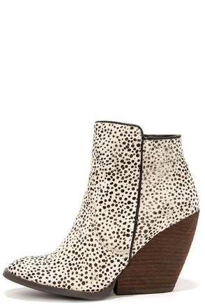 Very Volatile Feverdream Chocolate Chip Pony Hair Booties at Lulus.com!
