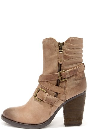 Steve Madden Raleighh Stone Beige Leather Ankle Boots at Lulus.com!