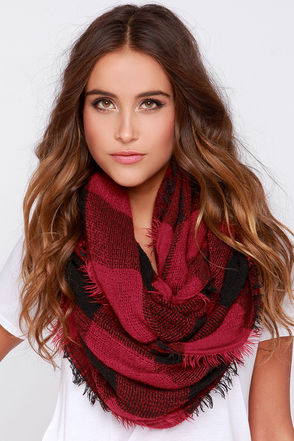 Roll Tide Burgundy Plaid Infinity Scarf at Lulus.com!