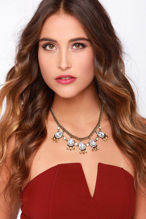 Buried Treasure Amber Rhinestone Statement Necklace at Lulus.com!