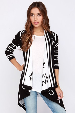 Flip a Coin Reversible Black and Ivory Print Cardigan Sweater at Lulus.com!