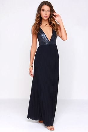 LULUS Exclusive Ciao, Ciao Bella Navy Blue Sequin Maxi Dress at Lulus.com!