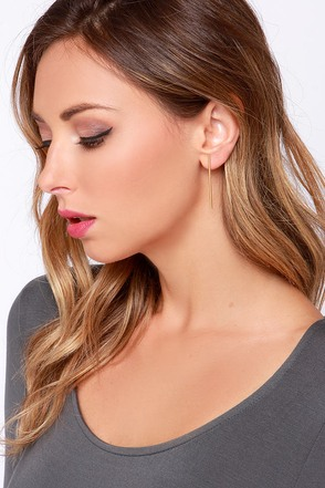Hey, Hot Rod Gold Bar Earrings at Lulus.com!