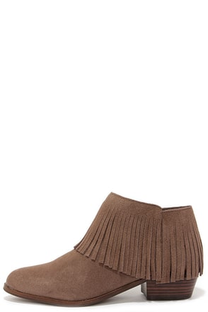Steve Madden Patzee Taupe Suede Leather Fringe Booties at Lulus.com!