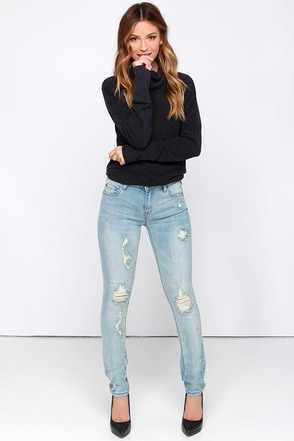 Dire Straits Light Wash Distressed Skinny Jeans at Lulus.com!