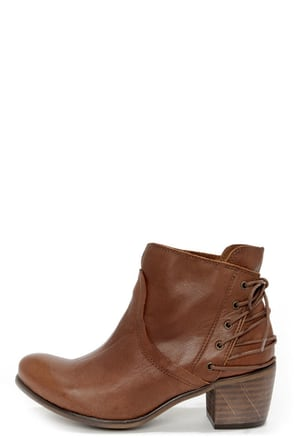 Sixtyseven Blake 75999 Sedona Natural Laced-Back Ankle Boots