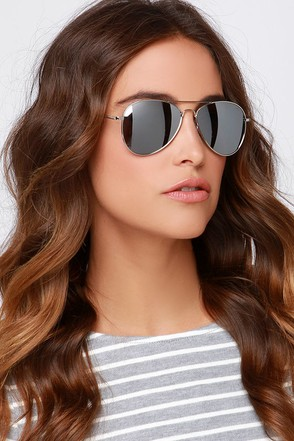 Fly By Night Silver Mirrored Aviator Sunglasses at Lulus.com!