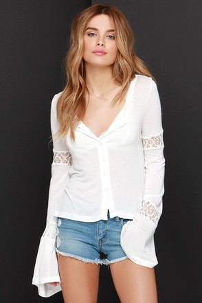 White Crow Libra Ivory Lace Long Sleeve Top at Lulus.com!