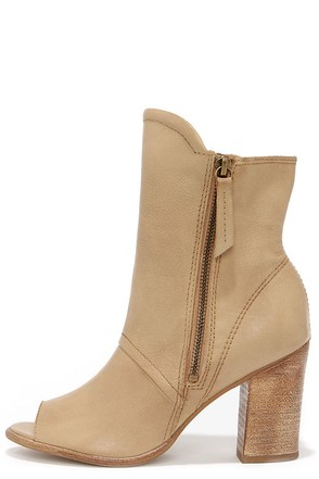 Matisse Leon Natural Leather Mid-Calf Peep Toe Booties at Lulus.com!