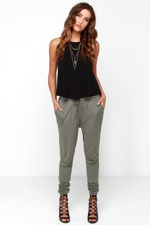 Black Swan Cameo Olive Green Jogger Pants at Lulus.com!