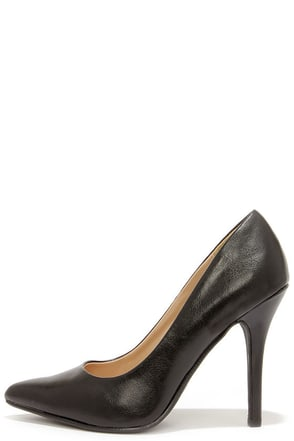 My Delicious Date Matte Black Pointed Pumps at Lulus.com!