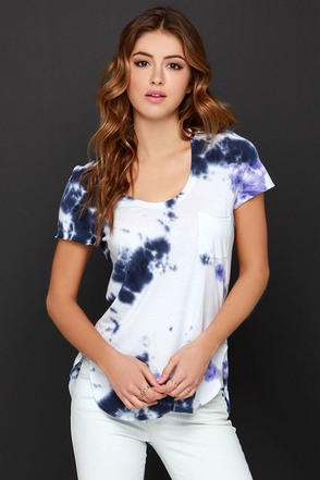 Roll of the Dye Purple and Navy Blue Tie-Dye Tee at Lulus.com!