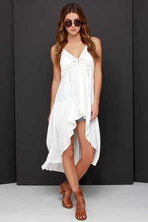 Play Ruffle Ivory Lace High-Low Vest at Lulus.com!