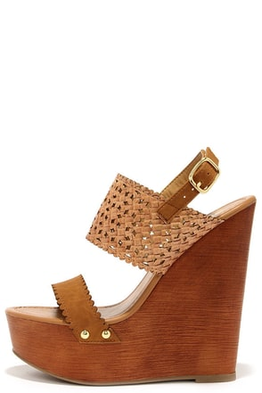 Daisy Chains Natural Tan Wedge Sandals at Lulus.com!