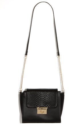 Under My Wing Black Purse at Lulus.com!