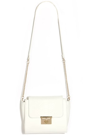 Under My Wing Ivory Purse at Lulus.com!