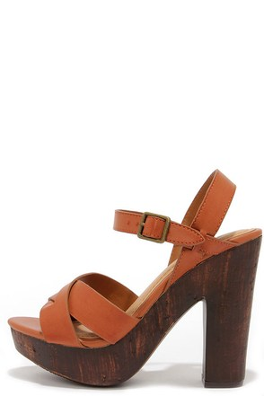 Crossed in the Shuffle Chestnut Brown Platform Sandals at Lulus.com!