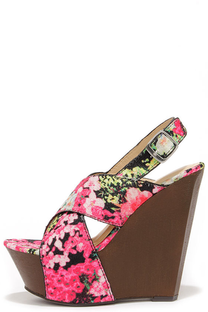 Larkspur of the Moment Black Floral Print Wedge Sandals at Lulus.com!