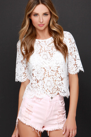 Cut-Off the Map Peach Distressed Jean Shorts at Lulus.com!