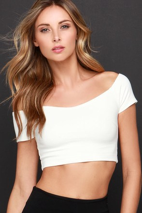 Hot to Crop Black Off-the-Shoulder Crop Top at Lulus.com!
