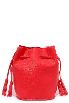 Hot on the Trail Red Drawstring Bucket Bag at Lulus.com!