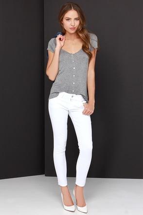 Billie Jean Ivory Skinny Jeans at Lulus.com!