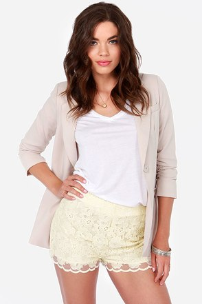 Dreamy Affair Cream Lace Shorts