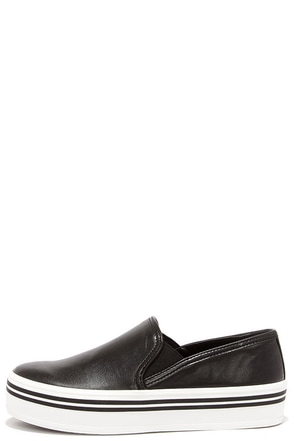Dolce Vita Jinsy Black Stella Slip-On Flats at Lulus.com!