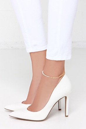 Party Pearl Gold Pearl Anklet at Lulus.com!
