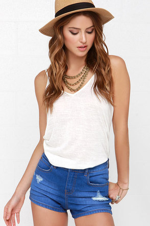 Billabong Memory Distressed Medium Wash Jean Shorts at Lulus.com!