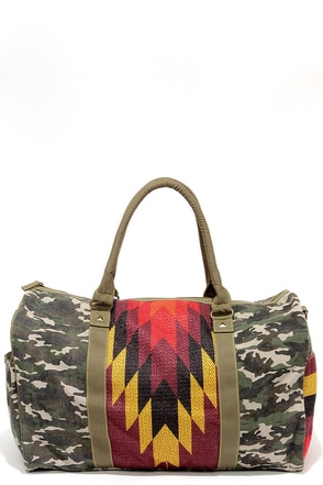 Tigerbear Republik Zeppo Green Camo Print Weekender Bag at Lulus.com!