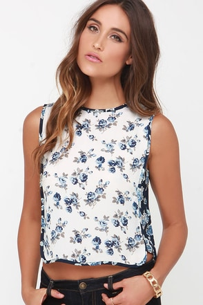 Wild Blooms Cream Floral Print Top at Lulus.com!