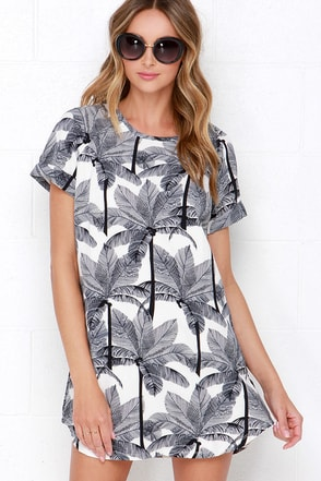 Going, Going Palm Ivory and Navy Blue Print Dress at Lulus.com!