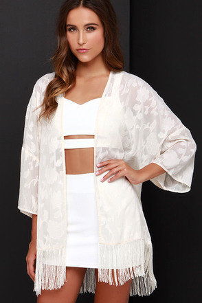 Festival Darling Cream Lace Kimono Top at Lulus.com!
