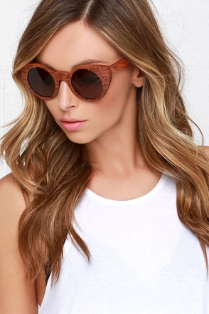 Woodzee Olivia Brown Pear Wood Sunglasses at Lulus.com!