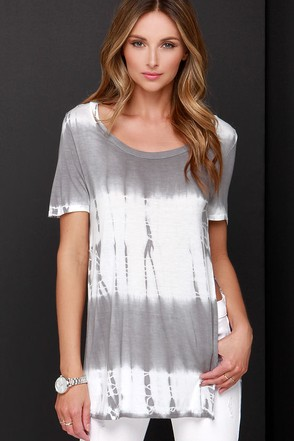 Tee You Tonight Ivory and Grey Tie-Dye Top at Lulus.com!