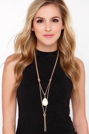 Class Act Gold Pendant Necklace at Lulus.com!