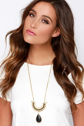 Object of My Affection Gold and Black Pendant Necklace at Lulus.com!