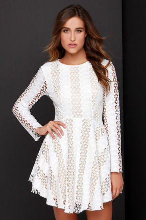 Sophisti-Vacation Beige and Ivory Lace Dress at Lulus.com!