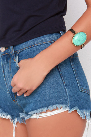 Oval and Over Gold and Turquoise Bracelet at Lulus.com!