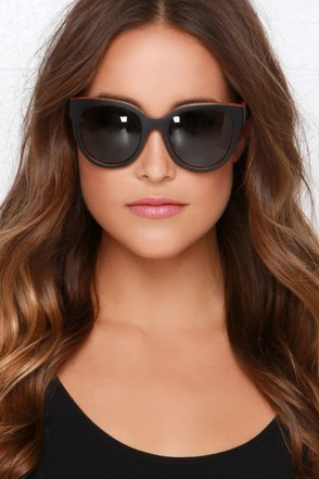 Woodzee Chloe Black Pear Wood Sunglasses at Lulus.com!