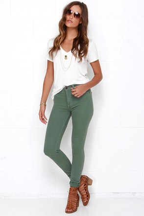 Frame-Worthy Washed Green Skinny Jeans at Lulus.com!
