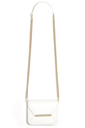Case Closed Ivory Purse at Lulus.com!