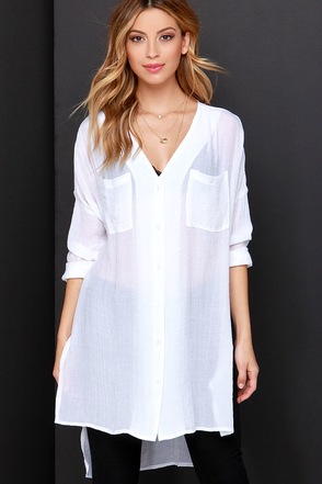 With the Breeze Black Long Sleeve Tunic Top at Lulus.com!